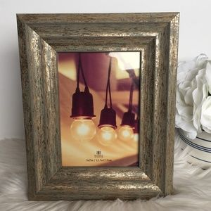 Burnes of Boston - 5x7 Antiqued Picture Frame